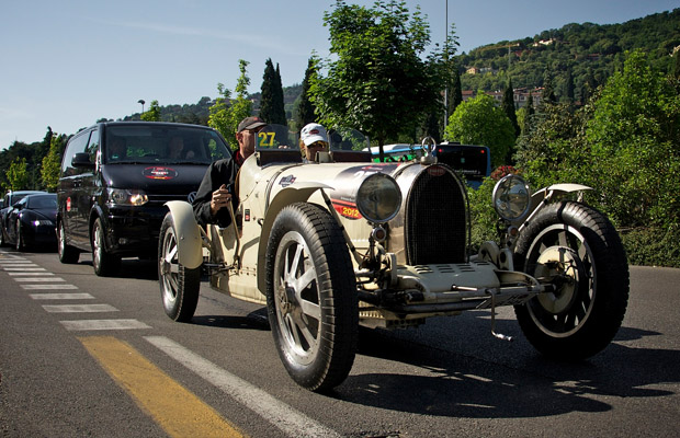 Bugatti Type 35 T - Veyron Grand Sport Mille Miglia 2012