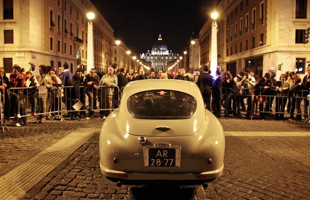 Aston Martin Mille Miglia 2012 Vaticano
