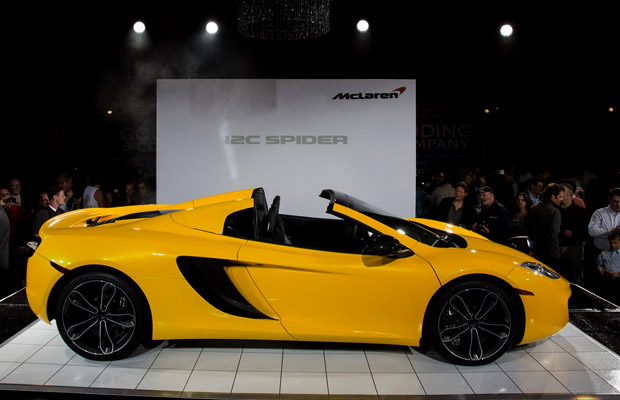 McLaren 2013 MP4-12C Spider onthullind Pebble Beach Gooding & Company