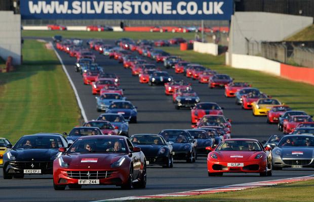 Ferrari record optocht circuit Silverstone FF F430 612 Scaglietti