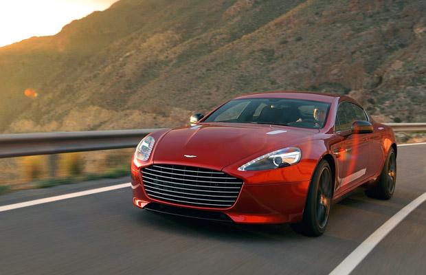 De Aston Martin Rapide S wordt onthuld op de Autosalon Geneve 2013