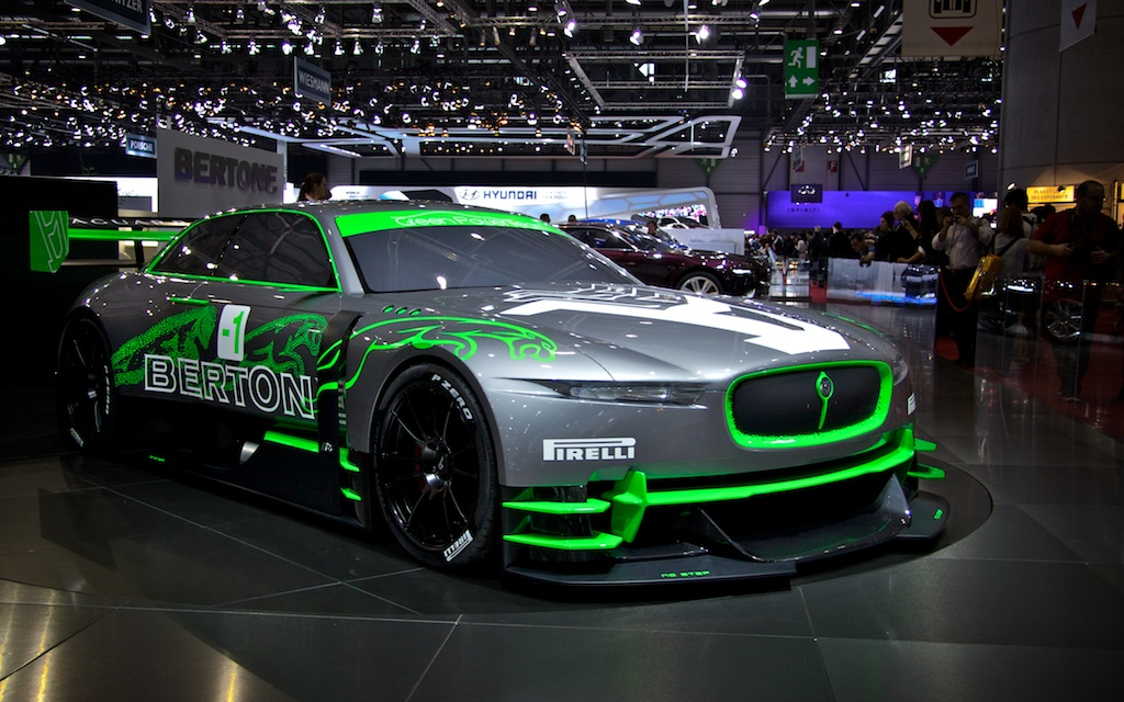 In 2011 presenteerde Bertone toekomstige Jaguars.