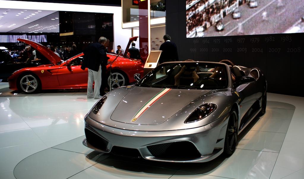 Ferrari presenteert de 430 Scuderia Spider 16M en de 599 met HGTE pakket. Deze auto's zijn inmiddels vervangen voor respectievelijk de 458 Italia en F12berlinetta.
