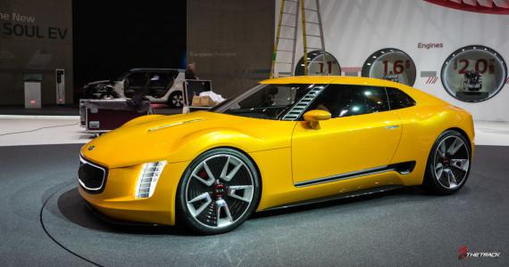 Kia GT4 Stinger Concept Autosalon Geneve 2014-1