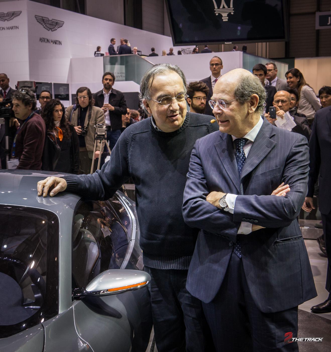 FCA directeur Sergio Marchionne in gesprek met design directeur Lorenzo Ramaciotti op de Autosalon Genève 2014 na de Alfieri presentatie.