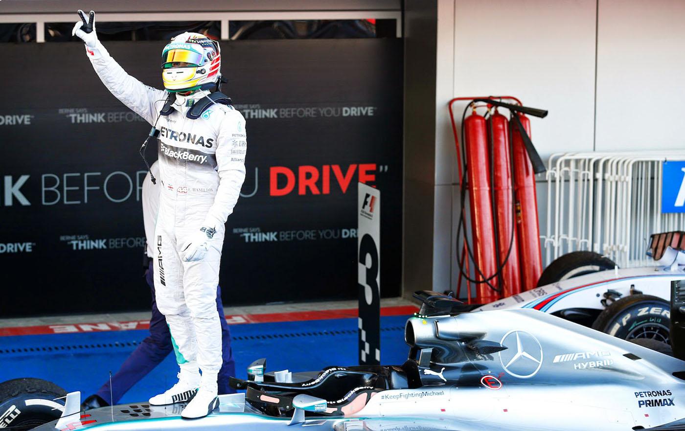 Eerste Grand Prix Rusland gewonnen door Hamilton