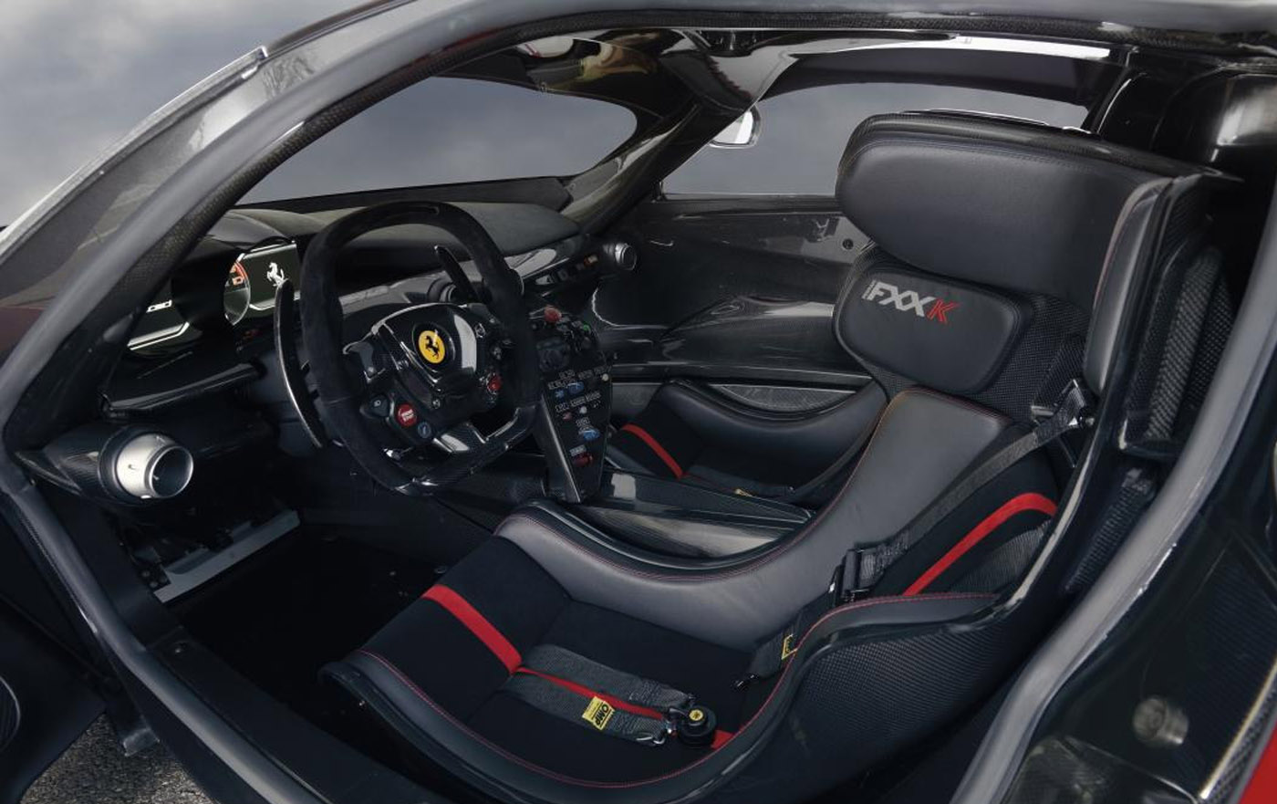 Ferrari LaFerrari FXX K interior