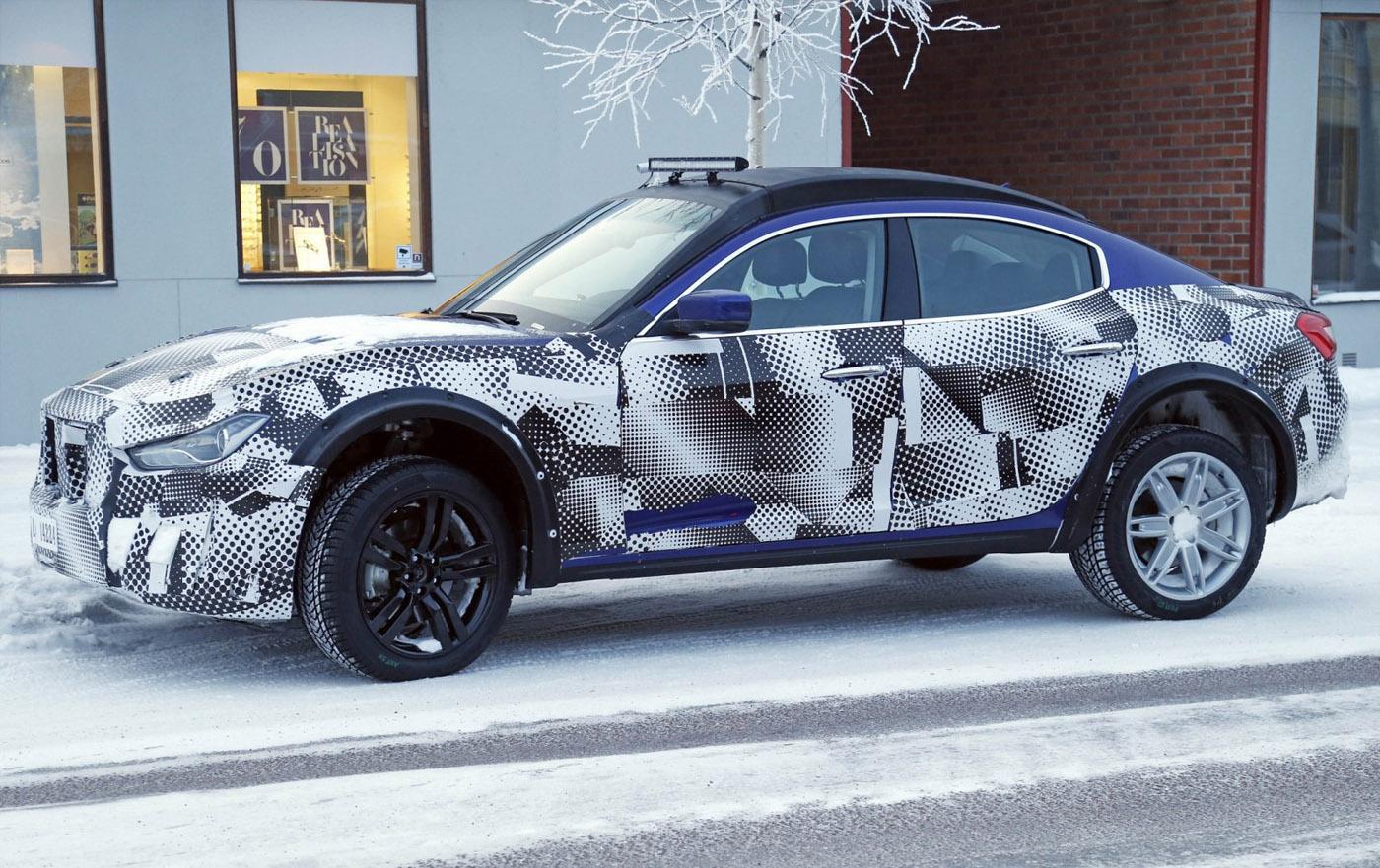 Maserati Levante SUV mule gespot