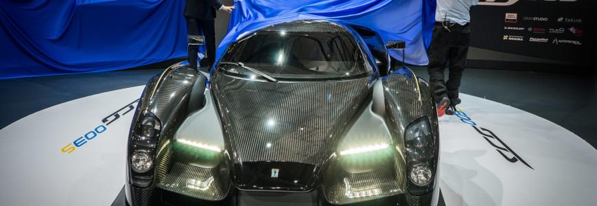 Scuderia Cameron Glickenhaus SCG-003 James Glickenhaus reveal Geneva Motor Show 2015-1