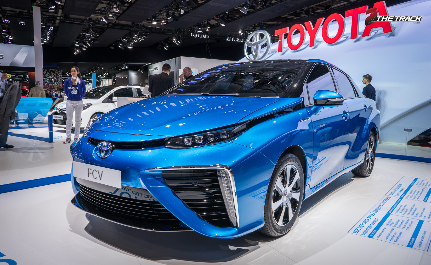 toyota mirai even in nederland 2thetrack de plek voor petrolheads. Black Bedroom Furniture Sets. Home Design Ideas