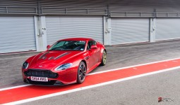 Aston-Martin-on-Track-Spa-Francorchamps-One-77-vantage-1