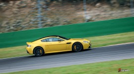 Aston-Martin-on-Track-Spa-Francorchamps-One-77-vantage-12