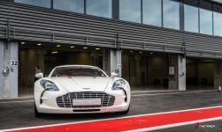 Aston-Martin-on-Track-Spa-Francorchamps-One-77-vantage-13