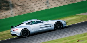 Aston-Martin-on-Track-Spa-Francorchamps-One-77-vantage-18