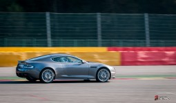 Aston-Martin-on-Track-Spa-Francorchamps-One-77-vantage-2