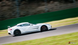 Aston-Martin-on-Track-Spa-Francorchamps-One-77-vantage-27