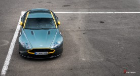 Aston-Martin-on-Track-Spa-Francorchamps-One-77-vantage-5