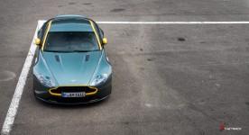 Aston-Martin-on-Track-Spa-Francorchamps-One-77-vantage-5