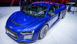 Audi-R8-e-tron-Geneva-Motor-Show-2015-12