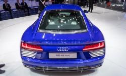 Audi-R8-e-tron-Geneva-Motor-Show-2015-15