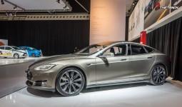 AutoRAI-2015-Tesla-Model-S-1