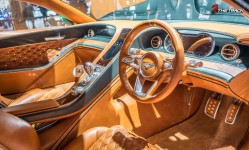 Bentley-EXP-10-Speed-6-Autosalon-Geneva-Motor-Show-2015-17