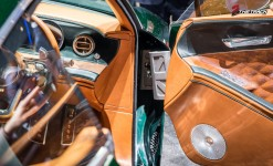 Bentley-EXP-10-Speed-6-Autosalon-Geneva-Motor-Show-2015-23