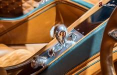 Bentley-EXP-10-Speed-6-Autosalon-Geneva-Motor-Show-2015-30