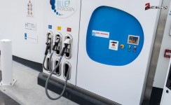 Hyundai-ix35-FuelCell-FCEV-premiere-in-Nederland-18