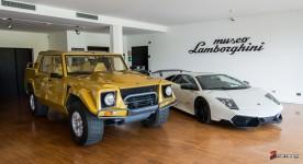 Museo Lamborghini - Lamborghini LM002 & Lamborghini Murcielago LP670-4 SV (Super Veloce)