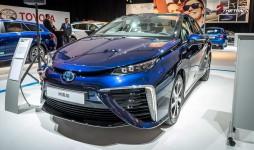 Toyota-Mirai-AutoRAI-2015-1