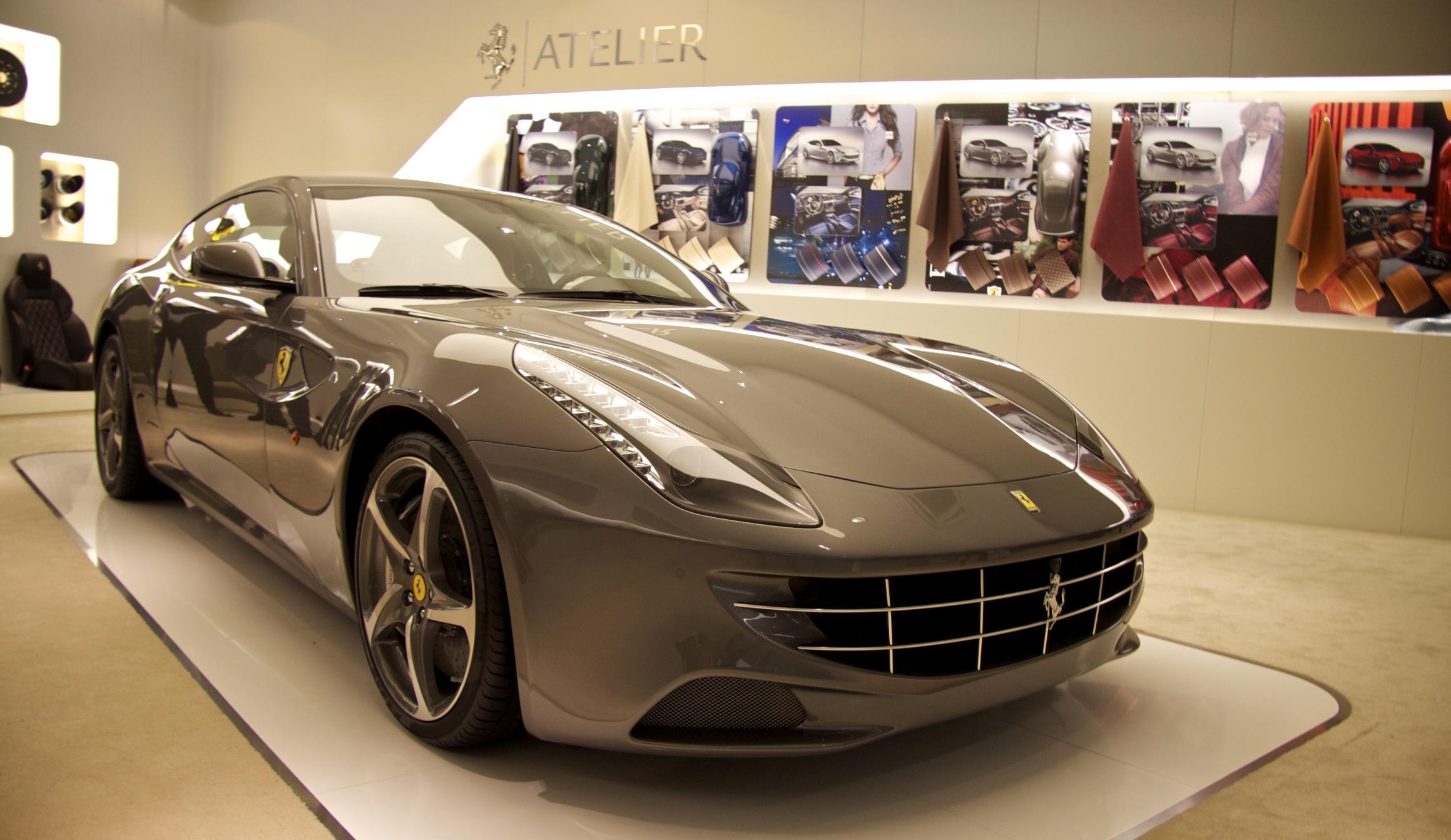 Primeur van de Ferrari FF in het Ferrari Atelier
