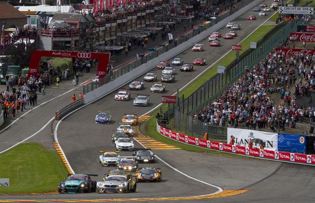 24 TOTAL Spa Francorchamps 2012 Eau Rouge