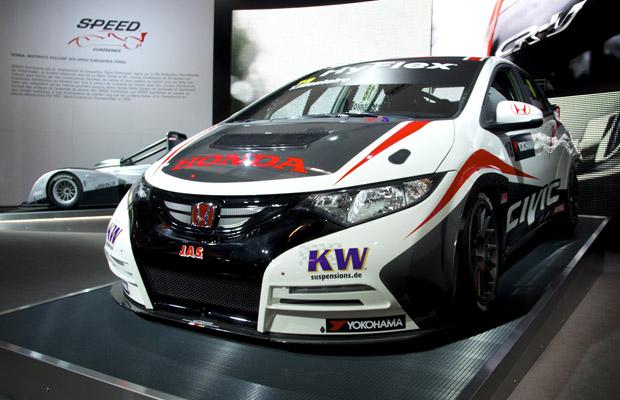 Honda Civic WTCC Paris Motor Show