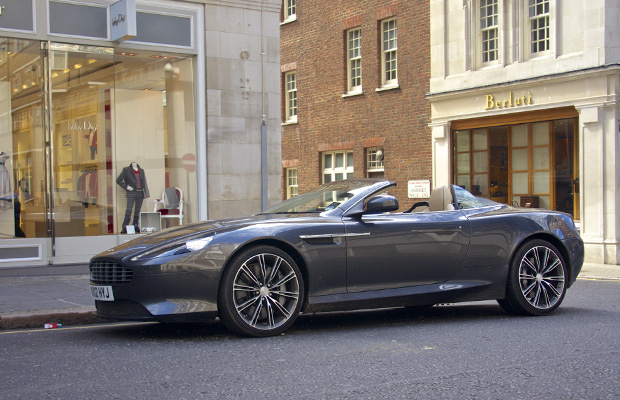 Aston-Martin-Virage-Volante-2012