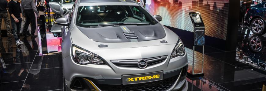 Opel Astra OPC Extreme Autosalon Geneve 2014-1