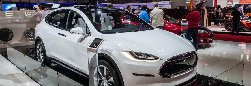 Tesla Model X Pre-Production concept model Autosalon Geneva Motor Show 2013-1